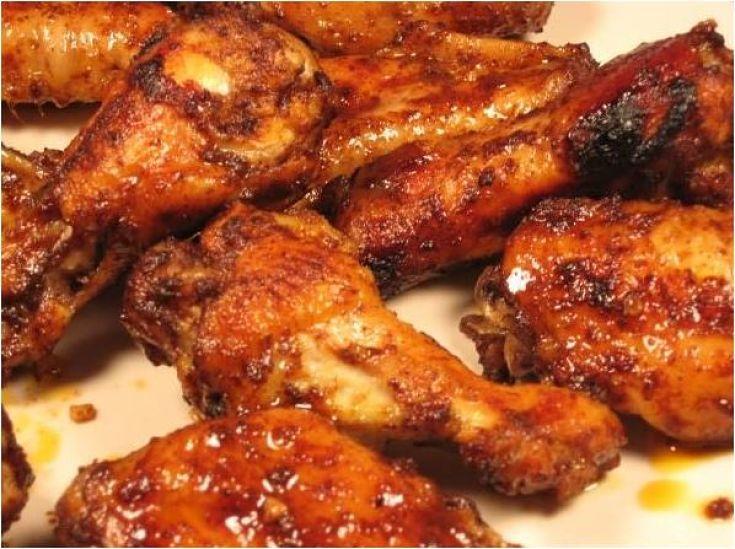 Cómo hacer alitas de pollo adobadas una receta fácil, barata y que gusta a toda la familia. Ideal para tomar viendo una película o un partido de fútbol.