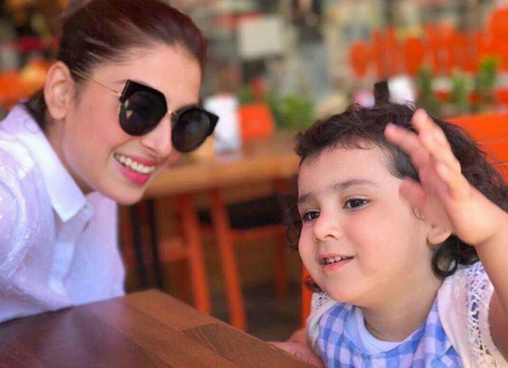 Ayeza Khan with her Daughter Hoorain in Turkey! Enjoying their time ☺ #RamadanMubarak #Vacation #AyezaKhan #Hoorain #Family #Love #Travel #PakistaniActresses ✨