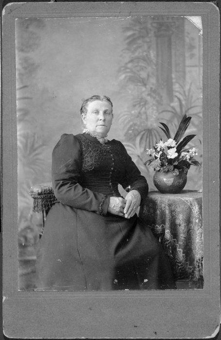 Sherlock, William, fl 1875-1890 :Photograph of Jane Preshaw, 1839-1926
