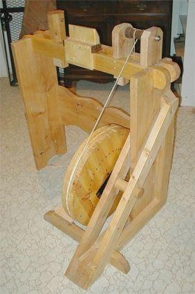 Para Sean y Greg Tornos Parte 2: La construcción de un volante pedal Torno |  Ver más sobre edificios, carpintería y HTML.