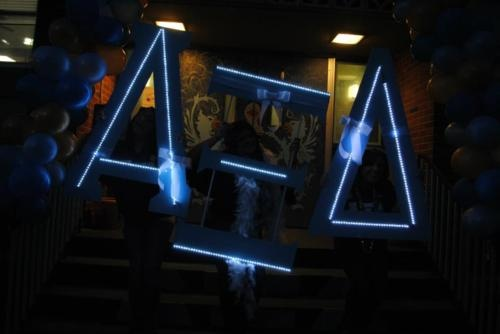 light up your #sorority letters!  #DIY