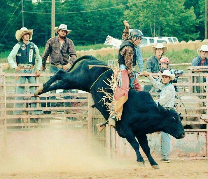 RODEO TIME Great Bull Riding Photo Sent in by Rider Jesse Bernhardt @jesse_el_fuera.de.la.ley_b90 https://www.instagram.com/jesse_el_fuera.de.la.ley_b90/ Team Cowboy Coffee Chew #rodeo #cowboy #bullriding