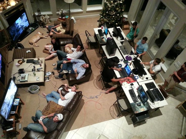 The ultimate #gaming setup! Now this would be a great evening!