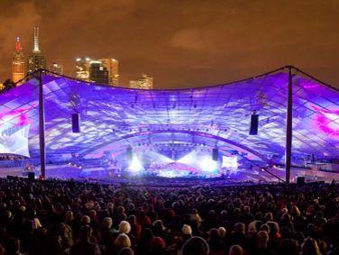 FESTIVAL DE MELBOURNE: El Festival de Melbourne es uno de los festivales de arte líderes en el mundo. Sin duda, es una de las principales celebraciones en Australia del arte y la cultura del mundo entero. Cada año durante el mes de octubre, el festival ofrece una variedad sin precedentes de teatro, danza, música, artes visuales, cine y eventos al aire libre.