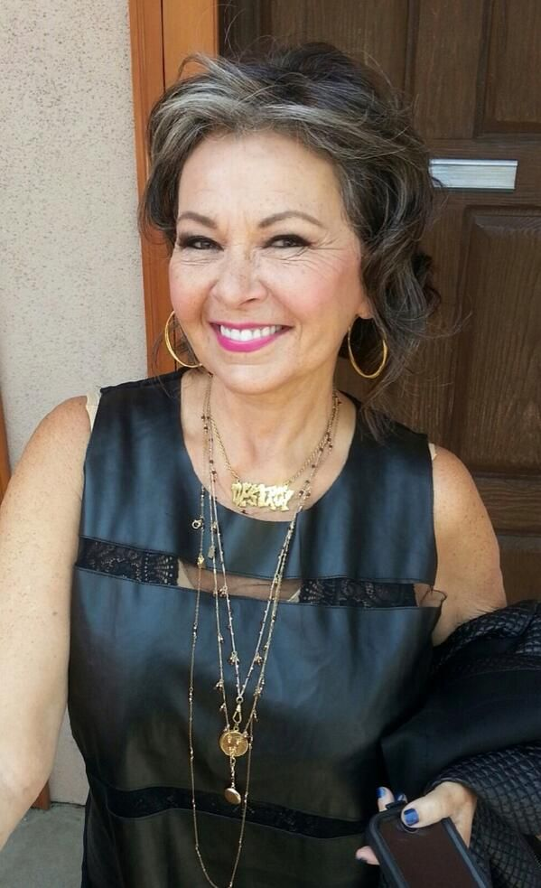 Roseanne Barr looks great. Aging gracefully.