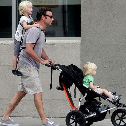 Piggyback rider standing child carrier be the best dad for Daddy carrier