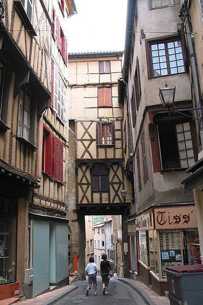 Découverte touristique de Thiers Puy-de-Dôme Auvergne
