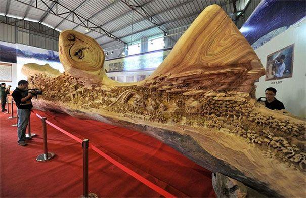 Parece un tronco de madera podrido Pero al mirarlo ms de cerca revela algo INCREBLE