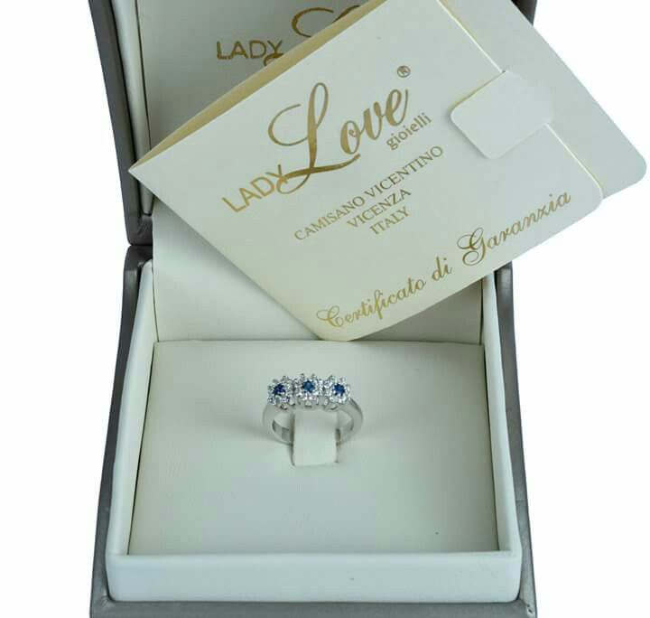 Lovely trilogy 18kt white gold with diamond and sapphire. Elegant romance card and packaging Lady Love Jewelry