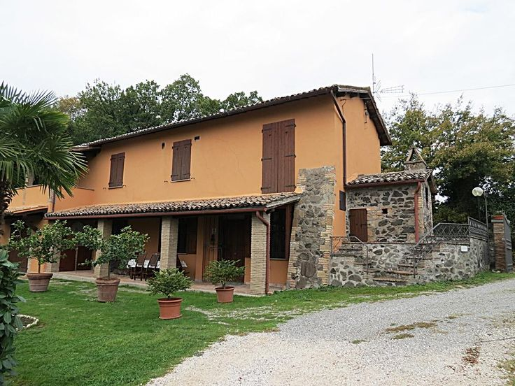 At the slopes of Orvieto, we propose you a very panoramic farmhouse with annexe and land. €490000