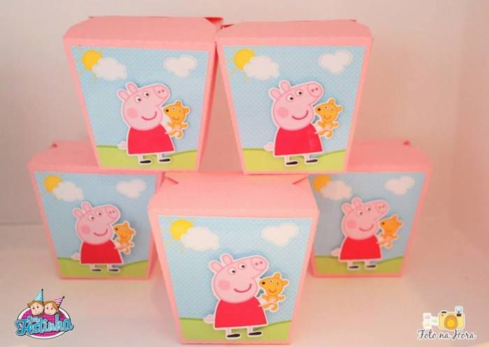Peppa Pig themed birthday party via Kara's Party Ideas KarasPartyIdeas.com #peppapig #peppapigparty #peppapigcake (8)
