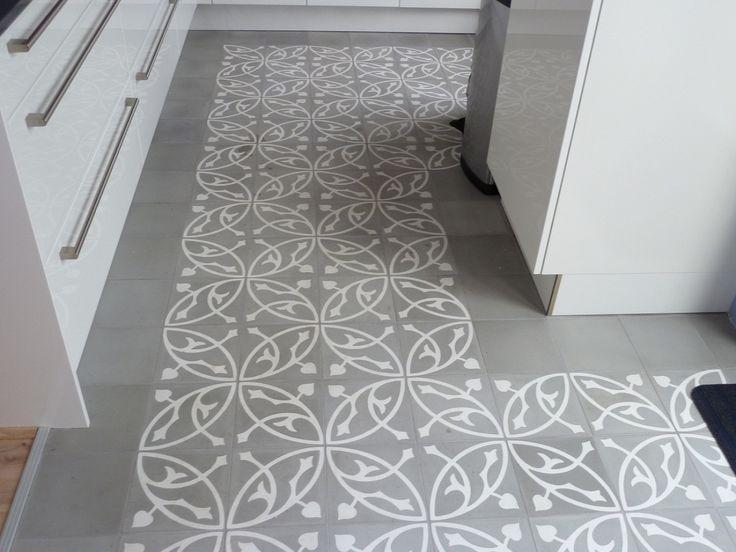 keukenvloer grijs/wit tegel.