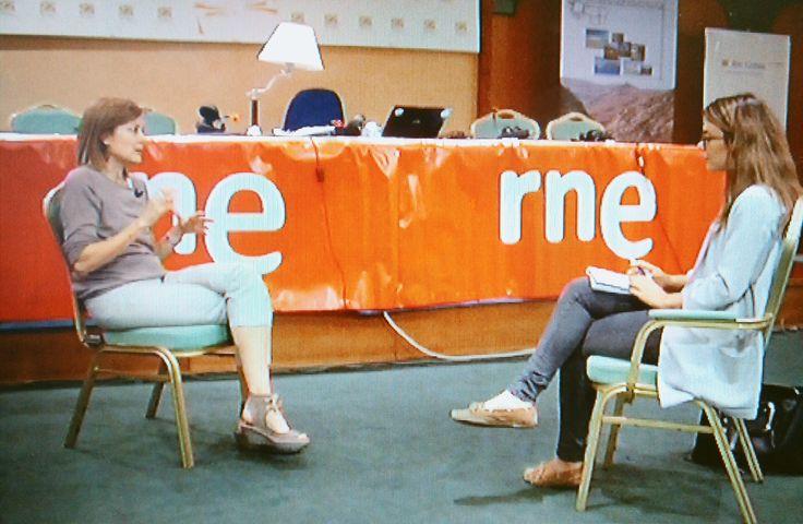 """Entrevista a Pepa Fernández, del programa """"No es un día cualquiera"""" en Radio Nacional de España.  Odei Cachero."""