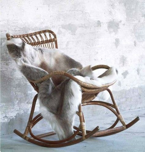 Rocking chair en rotin Sika design via Nat et nature