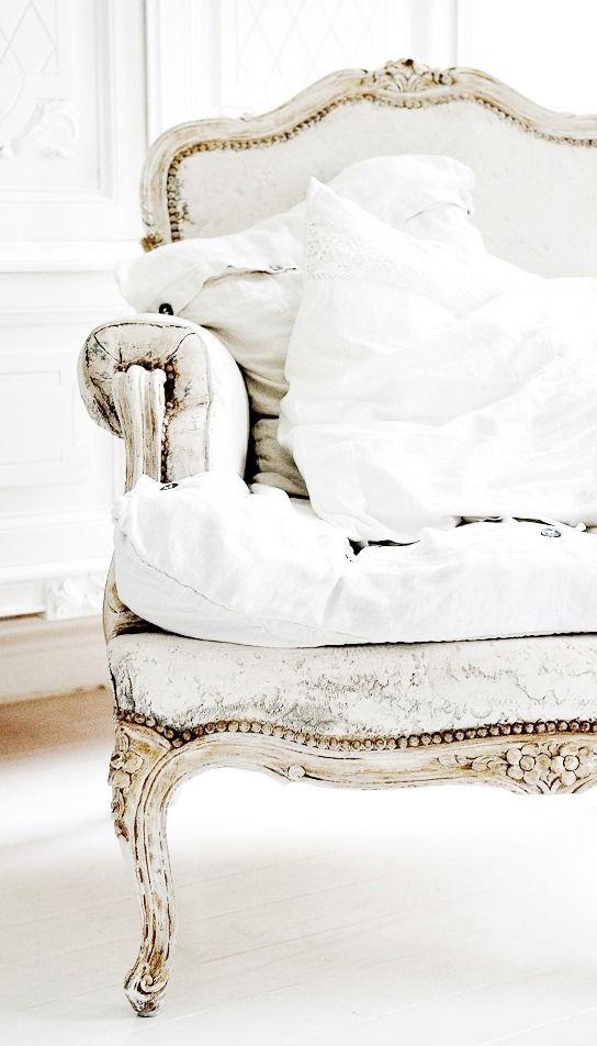 ❖Blanc❖ White vintage distressed chair Paris Apartment skonahem.com