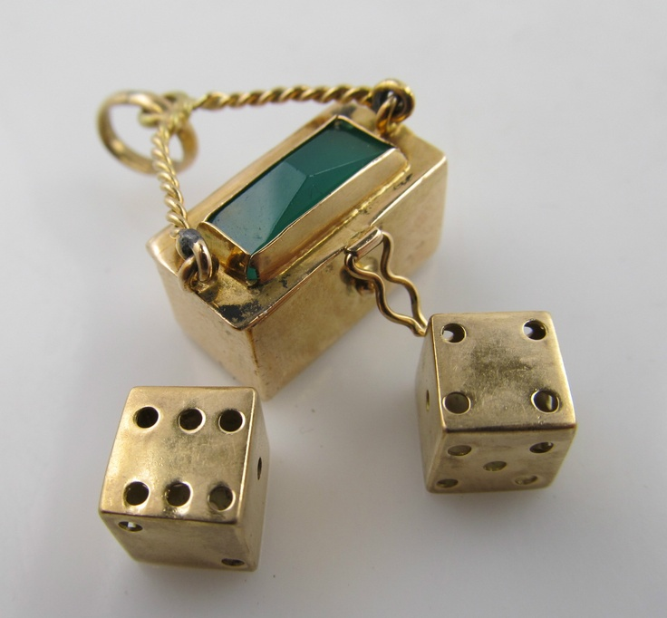 18k gold box with dice charm