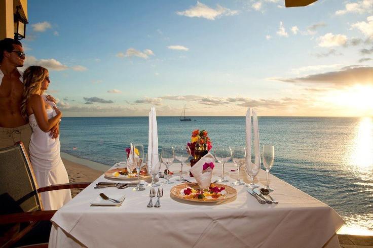 romantic beach dinner edde sands