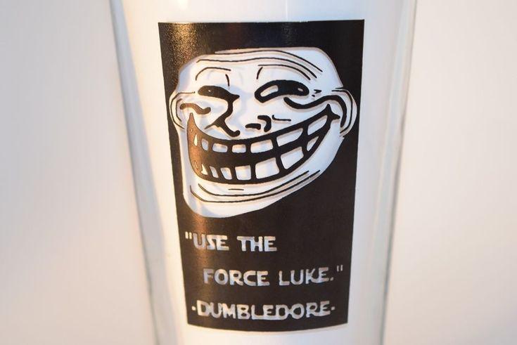 The Bulldog Pub Baton Rouge Troll Face Use the Force Luke Beer Pint Glass MINT