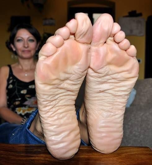 139 Best Mature Feet Images On Pinterest  Sexy Feet, Sexy -2852
