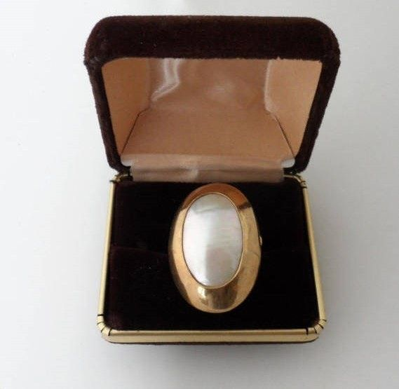 Osmena Pearl Statement Ring/Vintage Distinctive Stamped 10K Gold Contemporary Bezel Setting/Vintage Nautilus Pearl/10K Gold Cocktail Ring