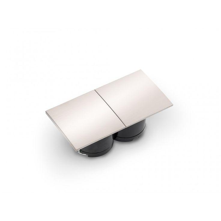Due Doppelsteckdose Mit Verschiebbarem Edelstahlfarbigem Deckel Zum Einbau In Die Arbeitsplatte Frontblende Oder S Arbeitsplatte Seitenwand Kuchenausstattung