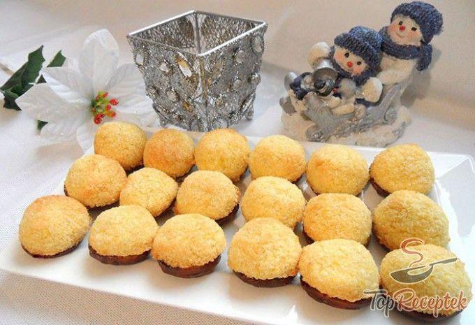 Linzeres-kókuszgolyós süti lekvárral és csokoládéval
