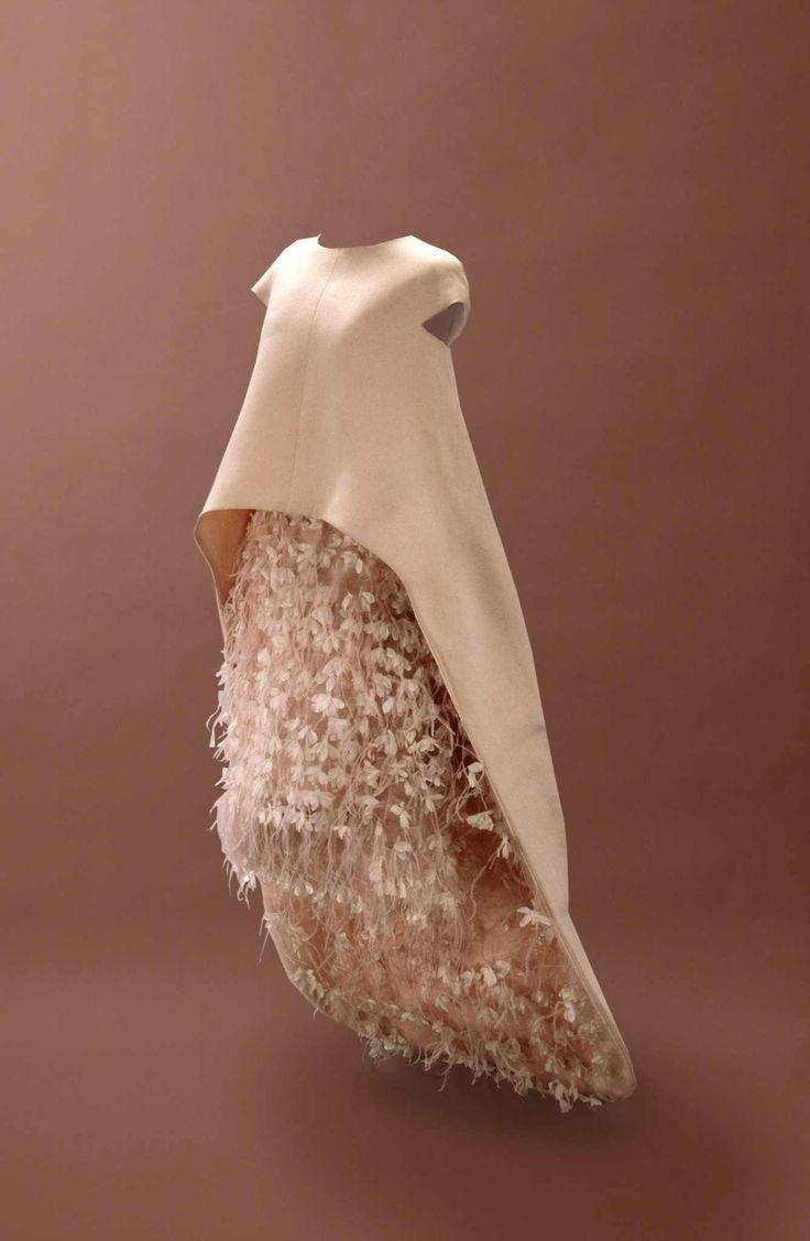 Cristóbal Balenciaga Couture FW 1967/1968 || Desert Lily Vintage ||