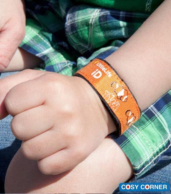 Παιδική Ταυτότητα Καρπού - Με εσωτερική τσέπη αρκετά μεγάλη, ώστε να χωράει μία μικρή ταυτότητα με χρήσιμες πληροφορίες που αφορούν το παιδί (π.χ. αλλεργίες, φαρμακευτικές αγωγές, κλπ.). 4 διασκεδαστικά σχέδια. https://goo.gl/1W8C87