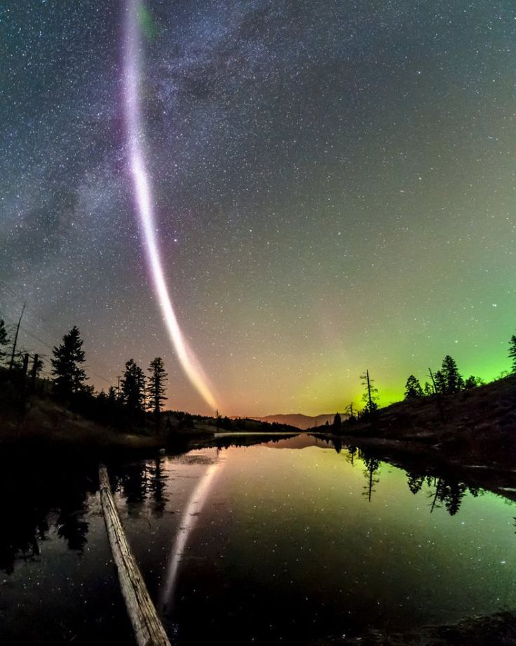 Scientists spot new purple aurora light, and after initially calling it 'proton ark' they decided to call it 'Steve'
