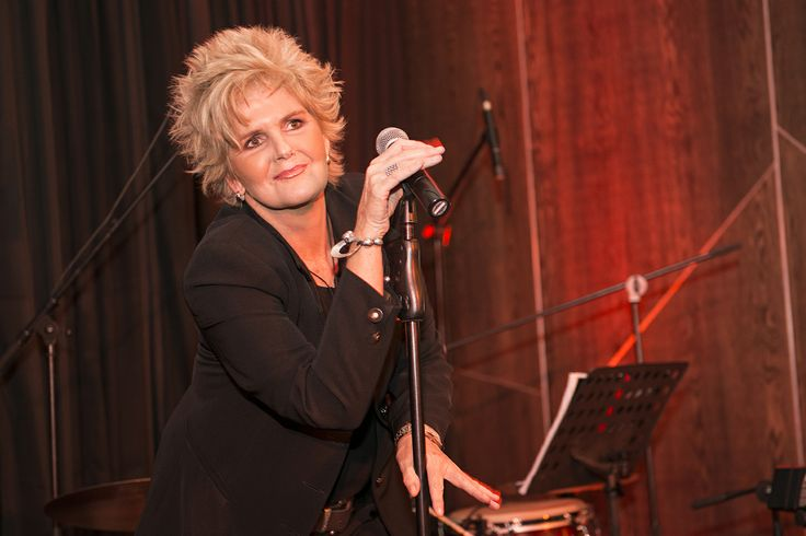 Musical entertainment was produced by the iconic South African artist, PJ Powers.