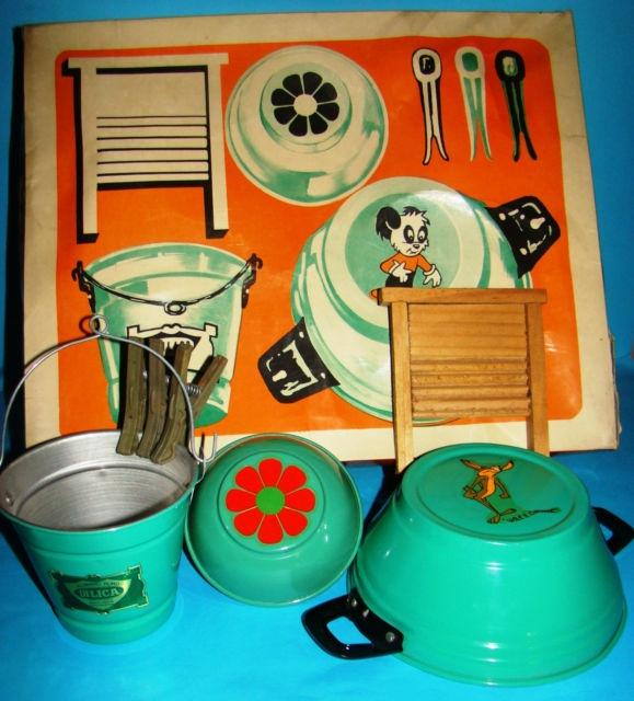 Vintage Laundry child's toy playset