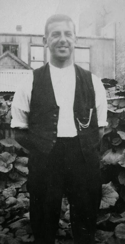 Maria's Family Archives: Faces from the past: My great uncle Alex