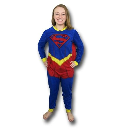 Keep warm with the Supergirl Caped Costume Women's Union Suit. Modeled after Kara Zor-El's supersuit this adult pajama is caped for heroic fun! Buy now!