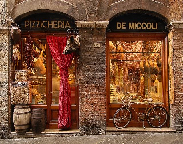 Pizzicheria de Miccoli. Siena, Italy