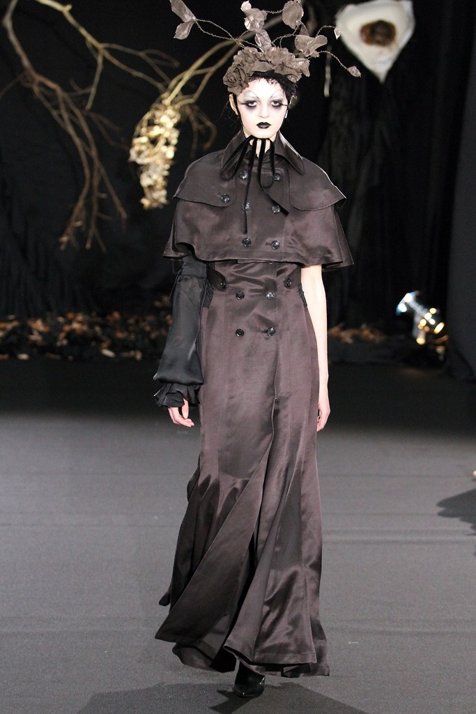 373 Best Neo Gothic Punk Images On Pinterest Fashion Show High Fashion And Walkway