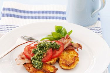 Croissant french toast with bacon, tomato and pesto