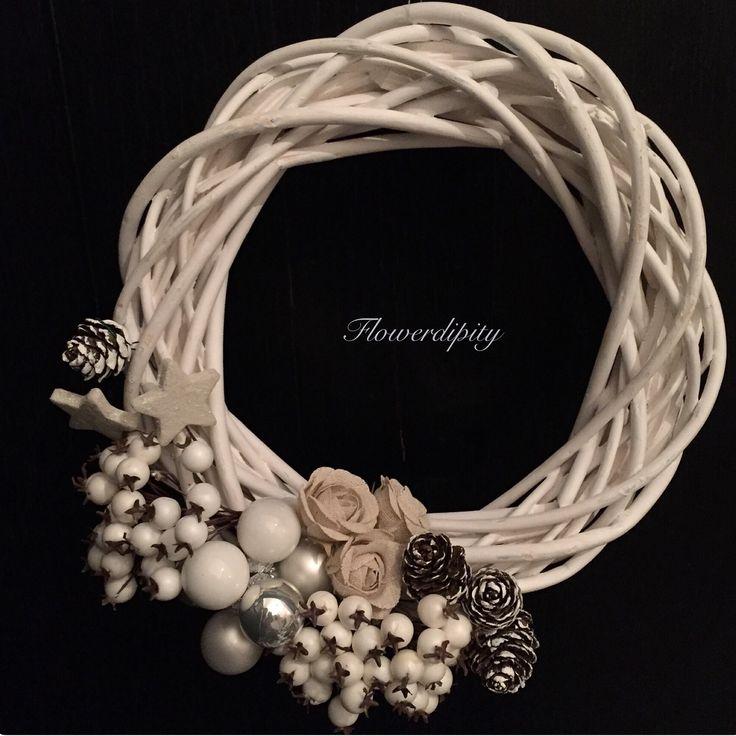 Elegant Christmas door #white #christmas #door #elegant #wreath #handmade #flowerdipity #corporate #gift