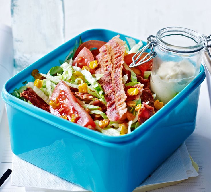Forget the bacon sarnie - pack a healthier lunchbox with this low-calorie crispy bacon, tomato and roasted sweetcorn salad