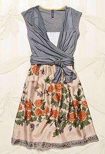 This type of flowery dress  normally isn't my style. But something about it just makes me want to escape to my imaginary country house and r...