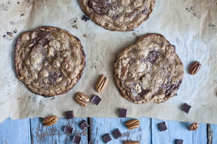 L'ultime biscuit à l'avoine avec pépites de chocolat. Impossible d'en manger juste un!   Donne 15 à 24 biscuits...