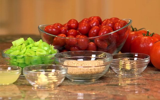 Dresink z rajčat a zázvoru
