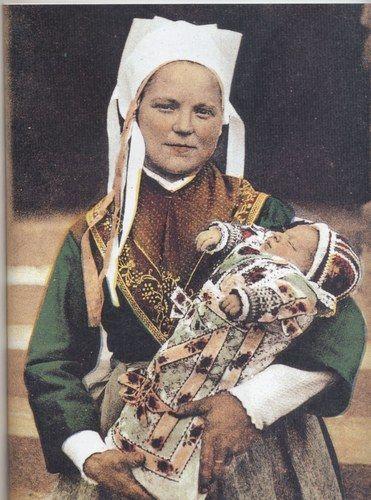 Plougastel -Daoulas - mère et bébé