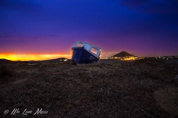 Abandoned boat by Ελεύθερος Δημιουργός on 500px