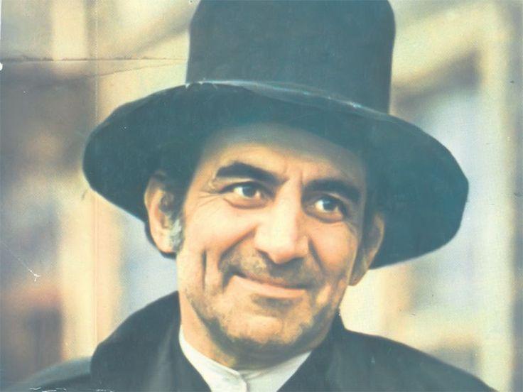 """Jean Constantin (August 21, 1927 - May 26, 2010), great Romanian interpreter of comic roles, especially known for """"Ismail"""". a character from the """"All sails up!"""" TV series. / Jean Constantin (21 august 1927 - d. 26 mai 2010), a fost unul din cei mai mari actori români, interpret de roluri comice,. Printre personajele reprezentate de Constantin se numără cele din seria """"Brigada Diverse"""", filmele regizorului Sergiu Nicolaescu și serialul """"Toate pânzele sus!"""" (1976)."""