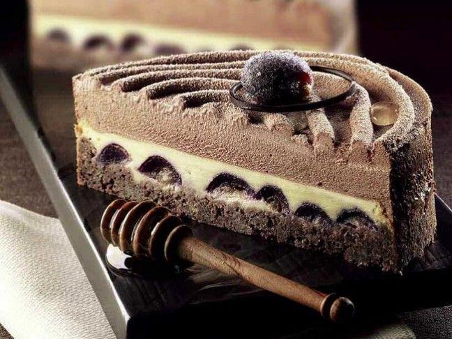 Torta clafoutis all'uva nera e miele di Luca Montersino | Peccati di Gola