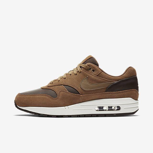 Découvrez toute la collection de chaussures, vêtements et équipements Nike  sur www.nike. 0e961546c474