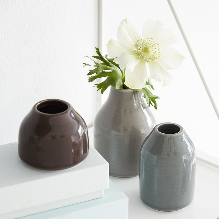 Botanica Miniature vases are characterized by vivid glazes and subtle, Nordic shades.