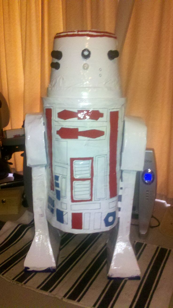Jess bet me I couldn't build a life sized paper mache droid in a week. Proved her wrong.