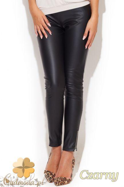 Dopasowane damskie rurki wykonane z eko-skóry marki Katrus.  #cudmoda #moda #styl #ubrania #odzież #spodnie #legginsy #leginsy #clothes