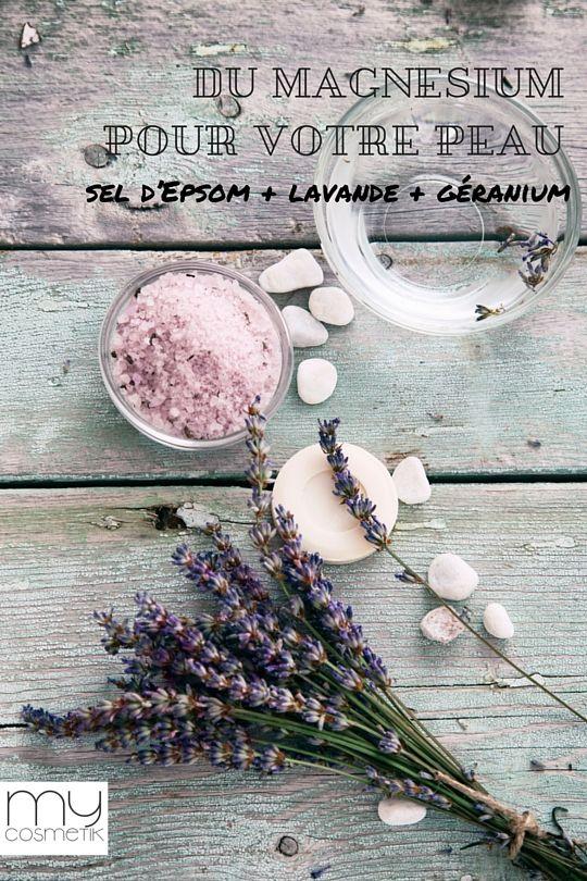 SEL DE BAIN FAIT MAISON : Sel d'Epsom + lavande + géranium.  Ajoutez 200 grammes de sel d'epsom dans l'eau de votre bain. Pour des vertus supplémentaires ajoutez 5 gouttes d'huile essentielle de lavande et 5 gouttes d'huile essentielle de géranium (diluées dans 1 cuillère d'huile d'olive) pour embellir votre peau et vous détendre (le géranium est l'huile essentielle de beauté de la peau par excellence !!! ). www.mycosmetik.fr